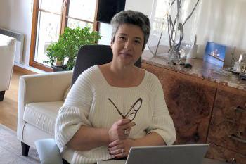 Béatrice Felder, SVP IT, working home office